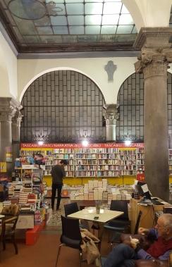 Livraria em Lucca (It.) (c)By Beto Queiroz