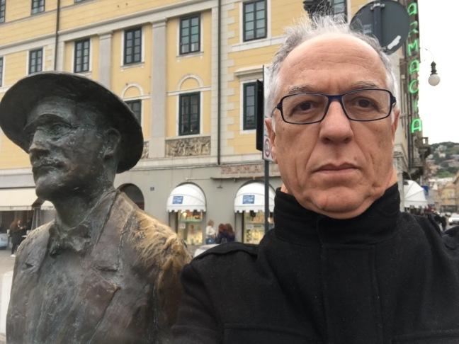 Com Joyce em Trieste